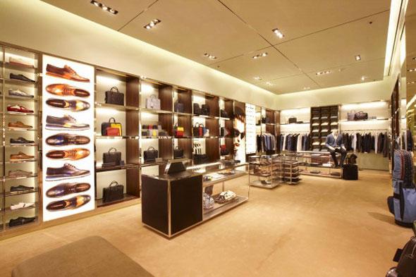 Verona crisi dei negozi del lusso for Negozi arredamento verona