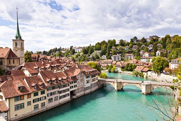 La svizzera paradiso confederale democratico ed economico