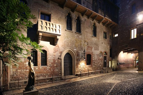 Il Balcone Di Giulietta E Romeo Nuovo Look E Ingresso A Pagamento Veronaeconomia It
