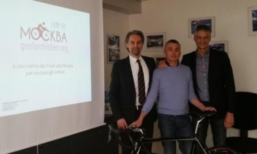 """""""Ride to Moscow"""": in bicicletta dal Friuli fino a Mosca 2.800 km di solidarietà per aiutare gli orfani russi"""