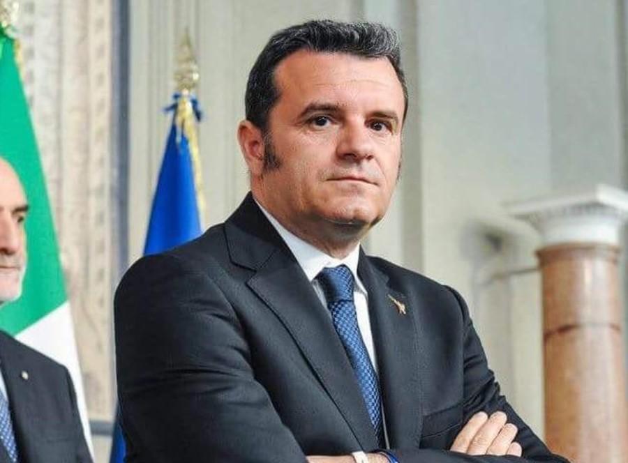 Gian Marco Centinaio. Dalla pagina Facebook ufficiale