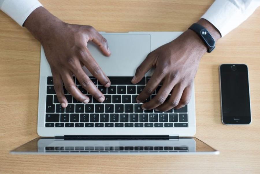 Gli autonomi pagano oltre 21 miliardi di tasse in più dei giganti del web