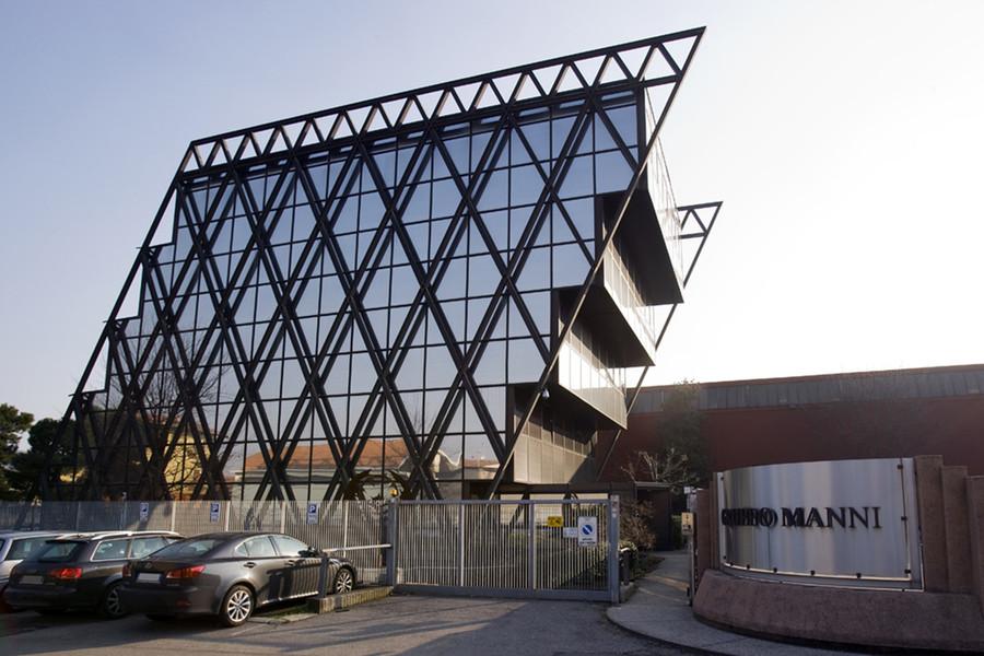 La sede di Manni Group