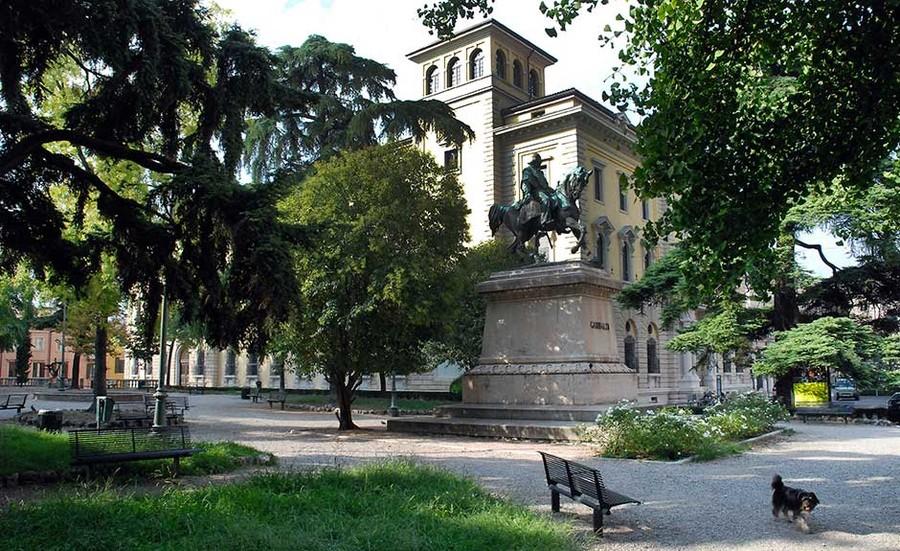 Riqualificato, a Verona, il giardino di Piazza Indipendenza.