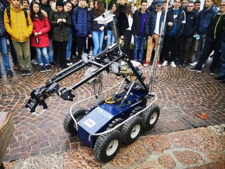 A GARDA NUOVE TECNOLOGIE, ROBOT E INTELLIGENZA ARTIFICIALE PROTAGONISTE DI ROBOT@GARDA