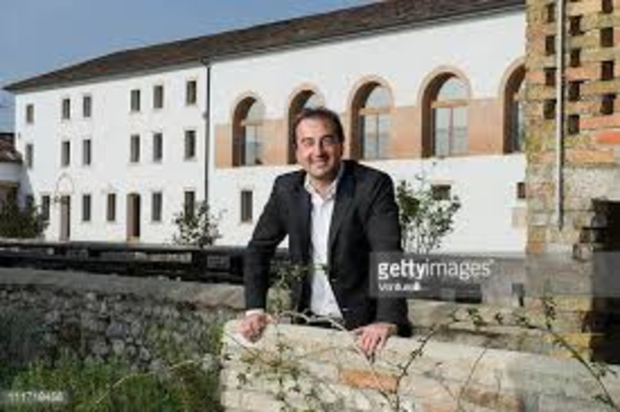 Sandro BOTTEGA  nella sua  azienda