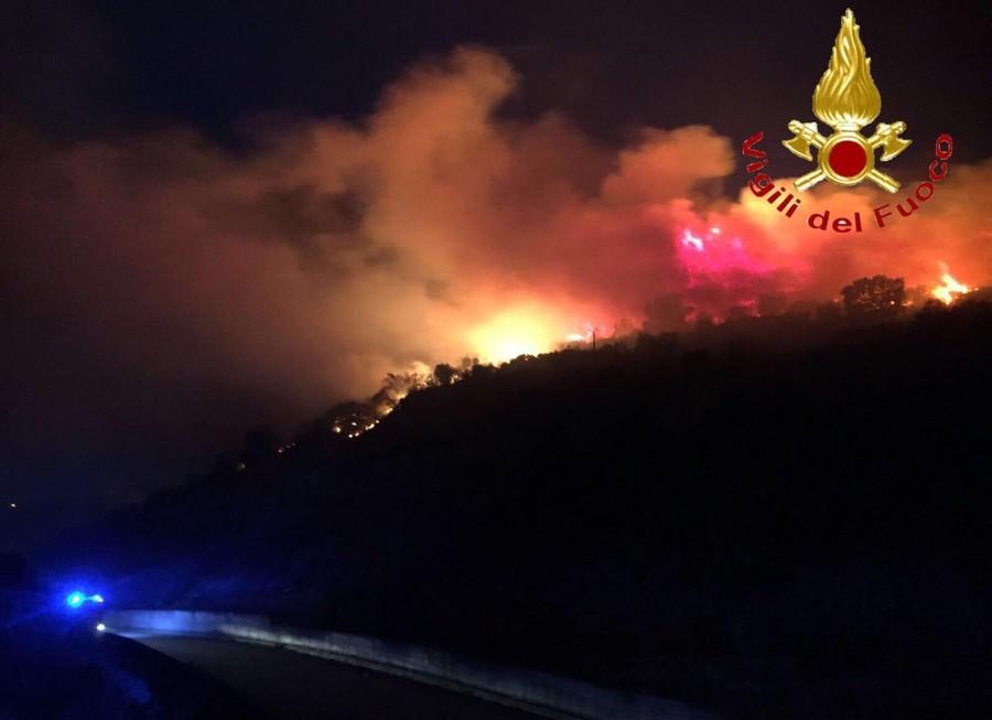 Incendi, Coldiretti: +256% di roghi nel 2021