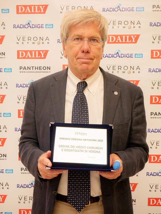 Carlo Rugiu vince il Premio Associazioni e Ordini, commovente la dedica